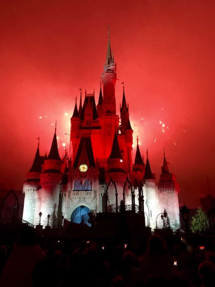 Mickey's Very Merry Christmas Party 2015 16