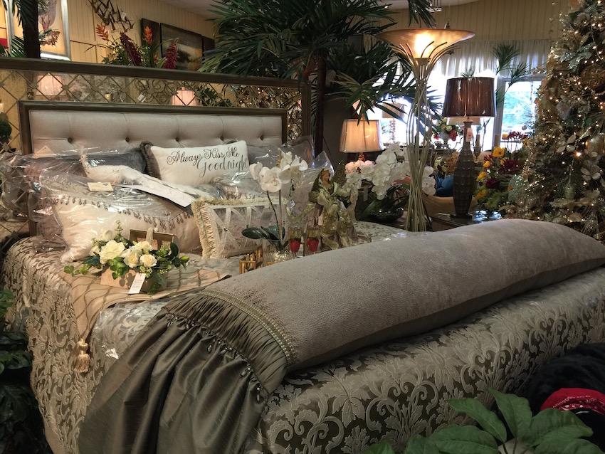 Marge's Specialties Fine Furniture - Christmas