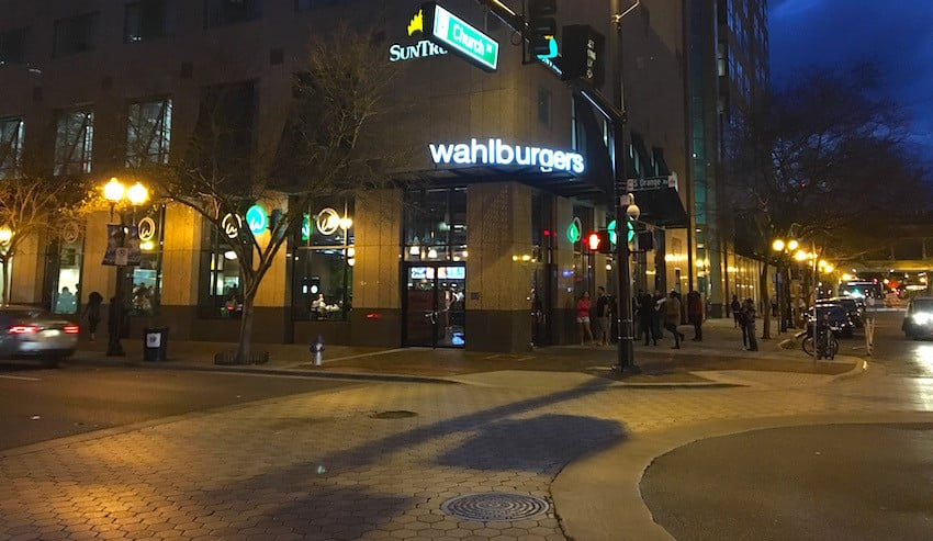 Wahlburgers - Boston Burgers Hits Orlando 26