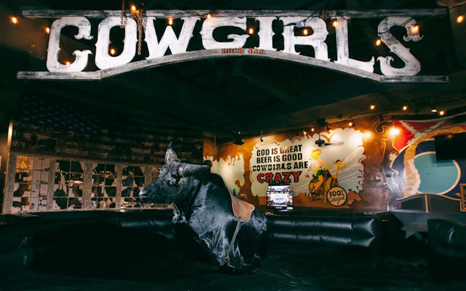 5 Reasons Why You Should Party At Cowgirls Rockbar Orlando