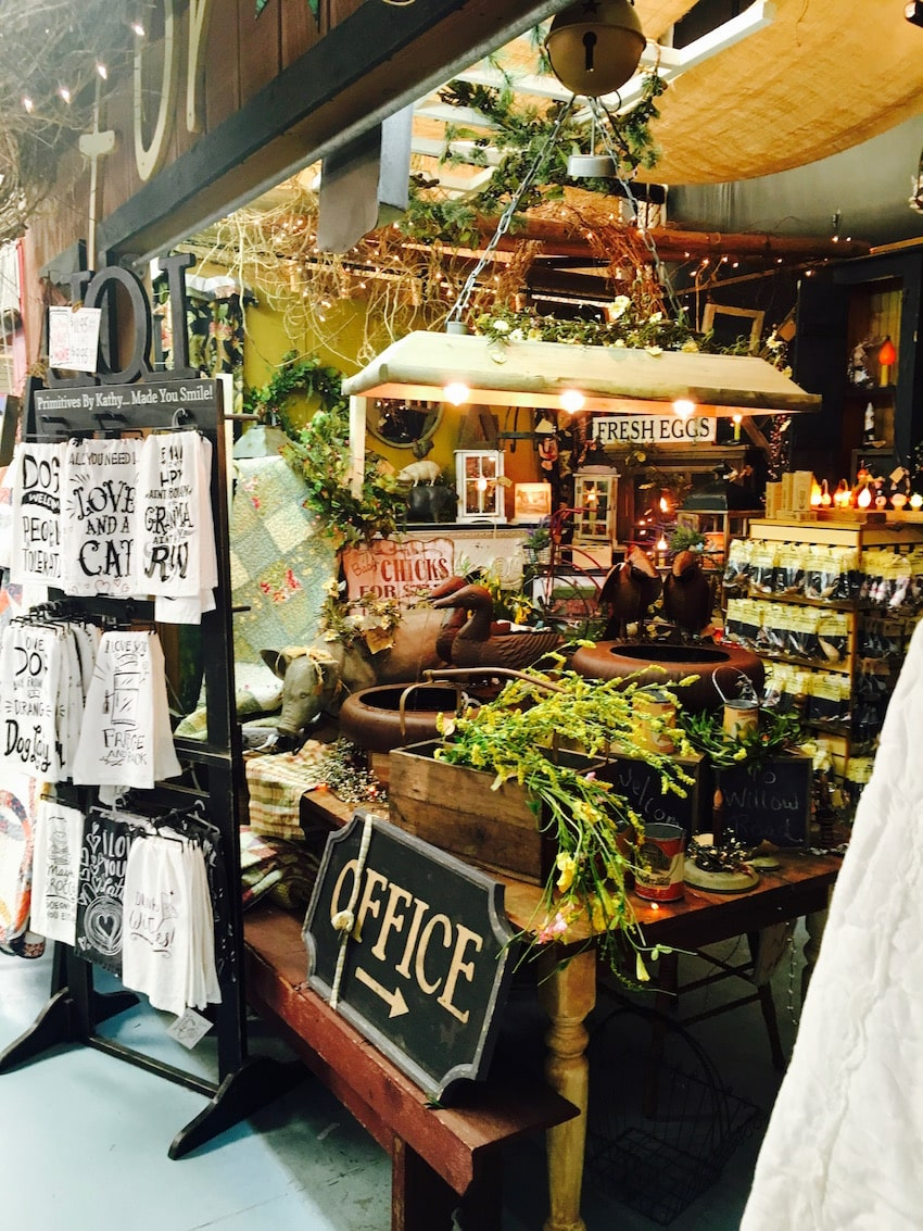 Rennigers flea market a lake county gem for Antique fairs and flea markets 2016